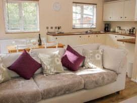 Alder River Lodge - Shropshire - 1005389 - thumbnail photo 5