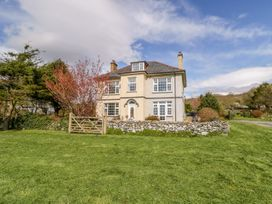 8 bedroom Cottage for rent in Barmouth