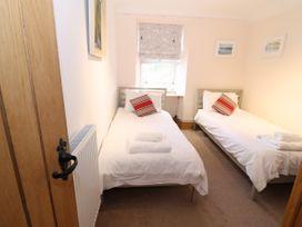 Bay View Apartment - North Wales - 1006438 - thumbnail photo 17