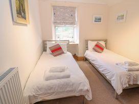 Bay View Apartment - North Wales - 1006438 - thumbnail photo 18