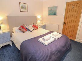 Bay View Apartment - North Wales - 1006438 - thumbnail photo 19