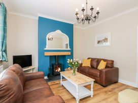 Benjamin Cottage - Whitby & North Yorkshire - 1006541 - thumbnail photo 4