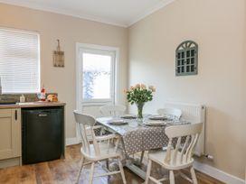 Benjamin Cottage - Whitby & North Yorkshire - 1006541 - thumbnail photo 7