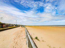 Sandy Shores - Lincolnshire - 1006557 - thumbnail photo 40