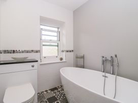 30 West Street - Somerset & Wiltshire - 1006817 - thumbnail photo 26