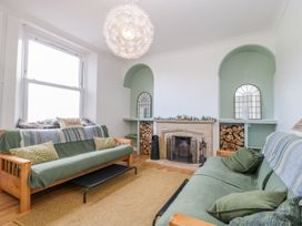 30 West Street - Somerset & Wiltshire - 1006817 - thumbnail photo 2
