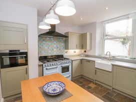 30 West Street - Somerset & Wiltshire - 1006817 - thumbnail photo 7
