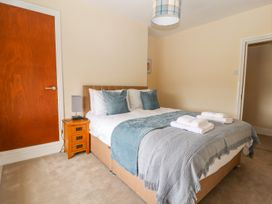 Blue Lion Apartment - North Wales - 1007038 - thumbnail photo 12