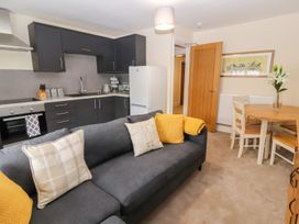 Blue Lion Apartment - North Wales - 1007038 - thumbnail photo 7