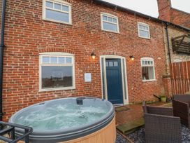 Stable Cottage - Lincolnshire - 1007336 - thumbnail photo 2