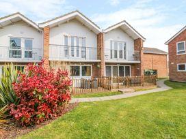 Walnut Tree Villa - Suffolk & Essex - 1007464 - thumbnail photo 2