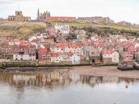 Whitby Sands - Whitby & North Yorkshire - 1007522 - thumbnail photo 17