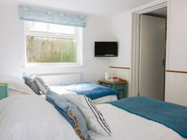 Blue Bay Beach House - Cornwall - 1007604 - thumbnail photo 34