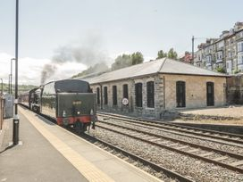 Premier, Transit & Lady Hilda @ Engine Shed - Whitby & North Yorkshire - 1007892 - thumbnail photo 11