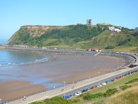 Esplanade Gardens, Apartment 1 - Whitby & North Yorkshire - 1008076 - thumbnail photo 13