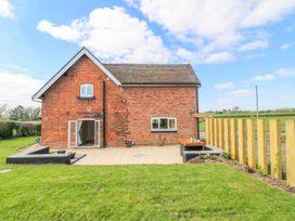 Ardsley Cottage - Longford Hall Farm Holiday Cottages - Peak District - 1008093 - thumbnail photo 23