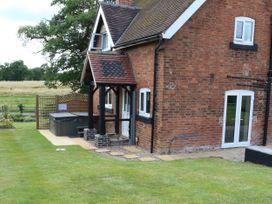 Ardsley Cottage - Longford Hall Farm Holiday Cottages - Peak District - 1008093 - thumbnail photo 29