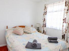 324 Chalet - Norfolk - 1008431 - thumbnail photo 8