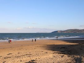 The Beach Pad - Anglesey - 1008715 - thumbnail photo 3