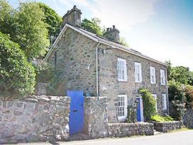 2 bedroom Cottage for rent in Harlech