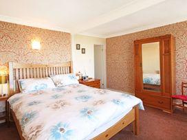 Bron Castell - North Wales - 1008734 - thumbnail photo 18