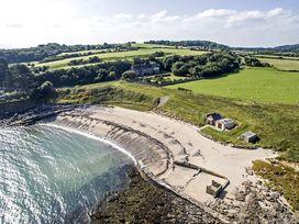 Cae'r Borth - Anglesey - 1008757 - thumbnail photo 1