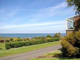 Cae'r Borth - Anglesey - 1008757 - thumbnail photo 2