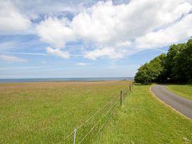 Cae'r Borth - Anglesey - 1008757 - thumbnail photo 38
