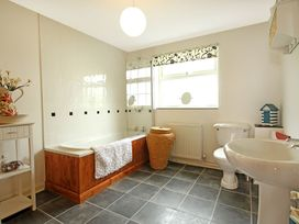 Charter Cottage - Anglesey - 1008773 - thumbnail photo 11