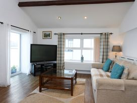 3 The Coach House - Penthouse Apartment - Anglesey - 1008782 - thumbnail photo 6