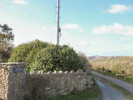 Cyndal Bach - Anglesey - 1008801 - thumbnail photo 18