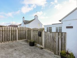 Farm Cottage - Anglesey - 1008823 - thumbnail photo 19