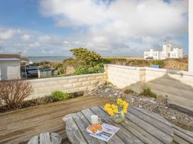 Flip Flops - Anglesey - 1008825 - thumbnail photo 13