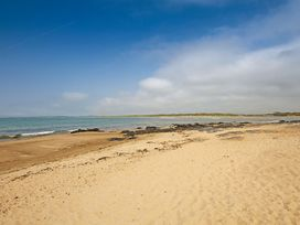 Flip Flops - Anglesey - 1008825 - thumbnail photo 23