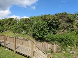 Hillside - Anglesey - 1008885 - thumbnail photo 44