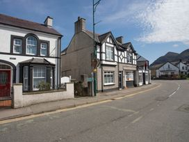 Hirfron - North Wales - 1008886 - thumbnail photo 2
