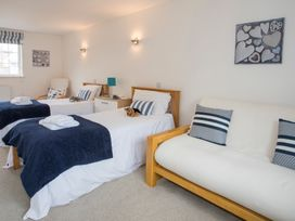 Mews Cottage - Anglesey - 1008923 - thumbnail photo 13