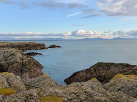 Cabbage Patch - Anglesey - 1008951 - thumbnail photo 16
