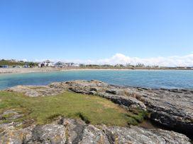 Pebbles - Anglesey - 1008953 - thumbnail photo 31