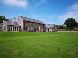 Penrhyn Barn - Anglesey - 1008954 - thumbnail photo 3