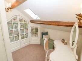 The Little Coach House - North Wales - 1009044 - thumbnail photo 11