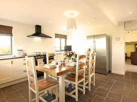 Beach House - Dryll-Y-Gro - Anglesey - 1009051 - thumbnail photo 7