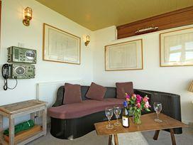 Beach House - Dryll-Y-Gro - Anglesey - 1009051 - thumbnail photo 10