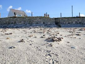 Beach House - Dryll-Y-Gro - Anglesey - 1009051 - thumbnail photo 12
