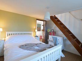 Beach House - Dryll-Y-Gro - Anglesey - 1009051 - thumbnail photo 16