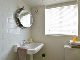 Beach House - Dryll-Y-Gro - Anglesey - 1009051 - thumbnail photo 18