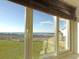 Beach House - Dryll-Y-Gro - Anglesey - 1009051 - thumbnail photo 23