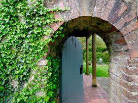Vine Tree Barn - Anglesey - 1009100 - thumbnail photo 3