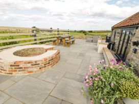 The Cowshed - North Yorkshire (incl. Whitby) - 1009411 - thumbnail photo 2