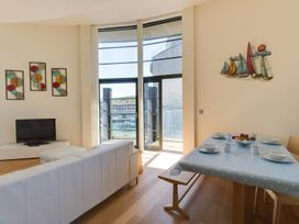 Westbay Penthouse - Dorset - 1009810 - thumbnail photo 5